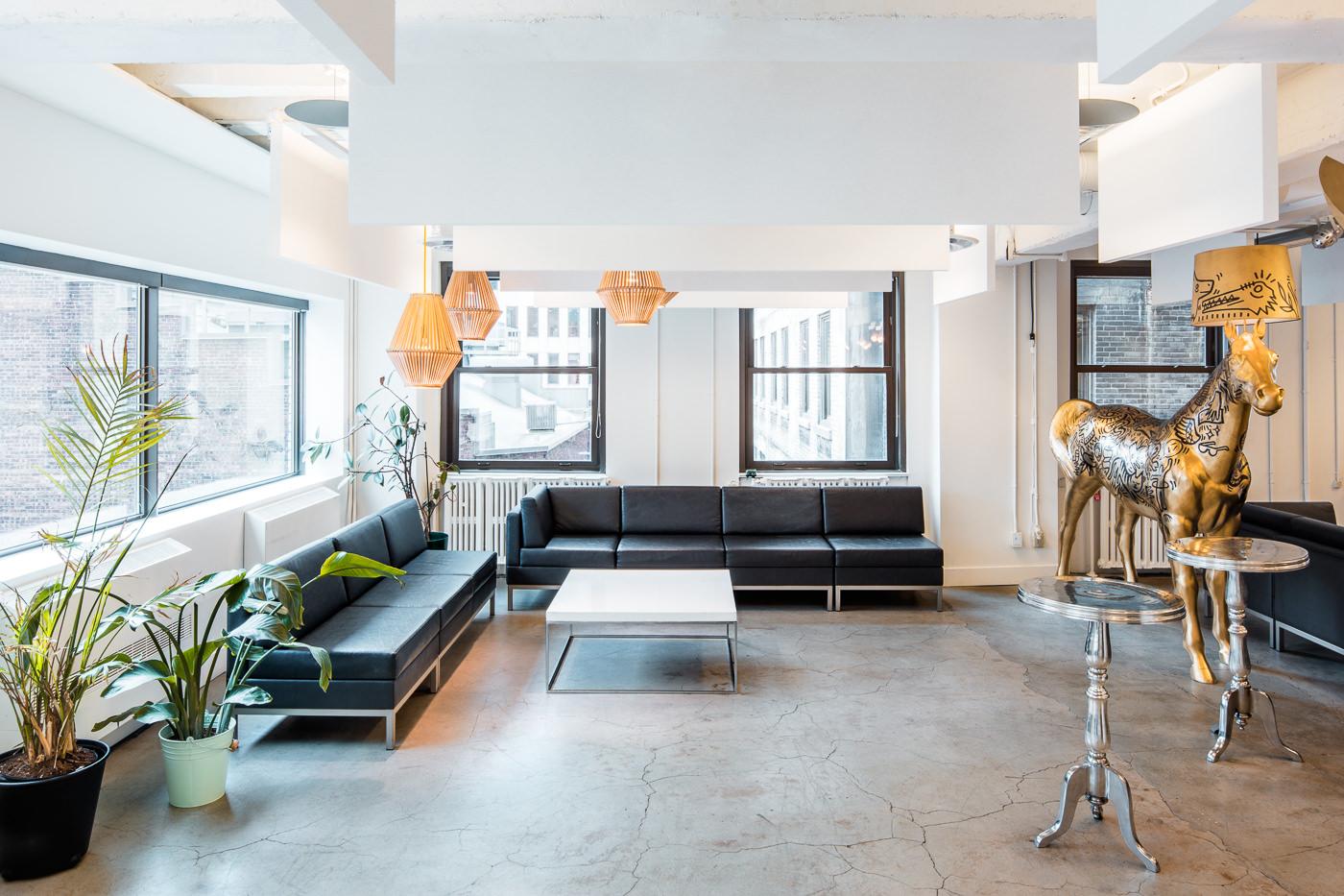Salon dans les bureaux de Havas Montreal pour le forfait PME de thirdbridge