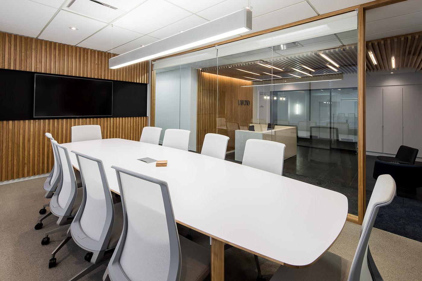 Salle de réunion des bureaux du Groupe Lafond architecture et design par rumker