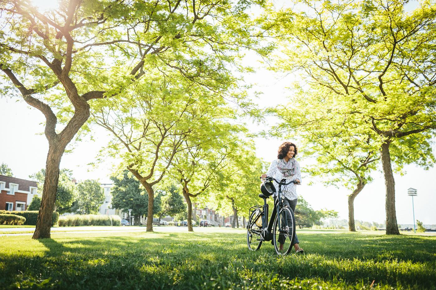 Vélos Opus Bike urbain dans un parc