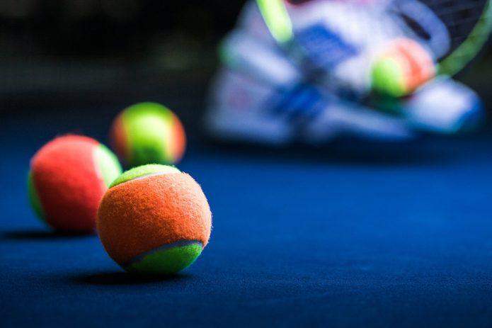 Close Up Balles Au Cours De Tennis Canada Kids