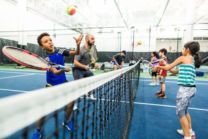 Pratique En Duo Au Cours De Tennis Canada Kids