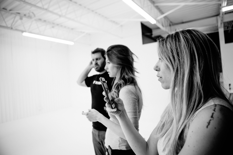behind the scenes du tournage de vidéo de produit pour ergonofis (2)