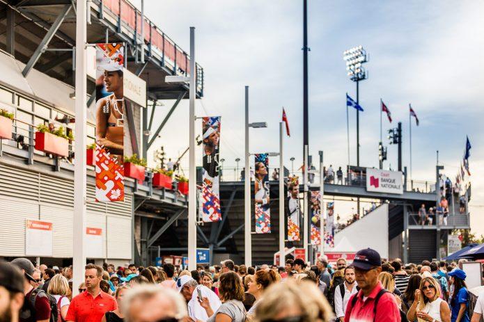 Foule à L'extérieur Du Stade Banque National Lors De La Coupe Rogers 2017