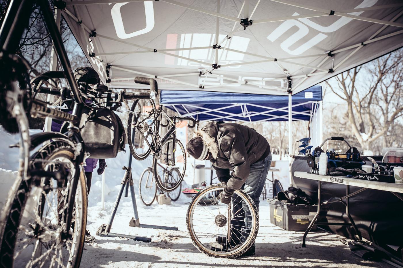 photo événement booth réparation vélo opus hiver