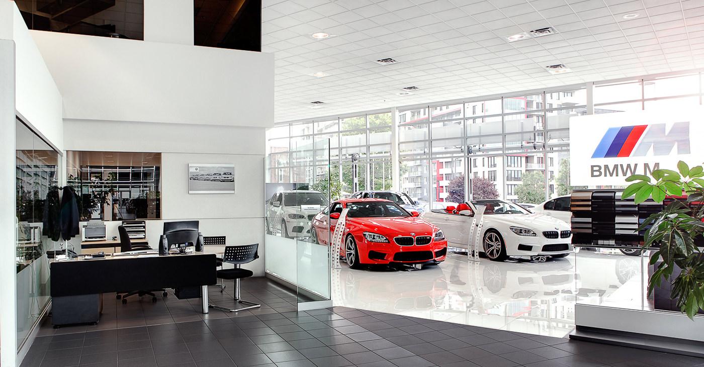 Locaux et salle de montre de BMW Mont Royal pour CTE Management