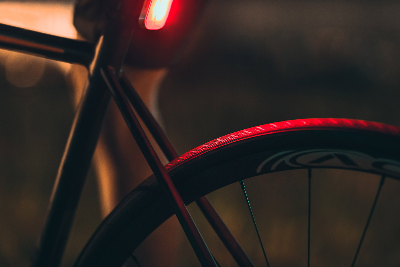 photo close up roue velo opus campagne night ride