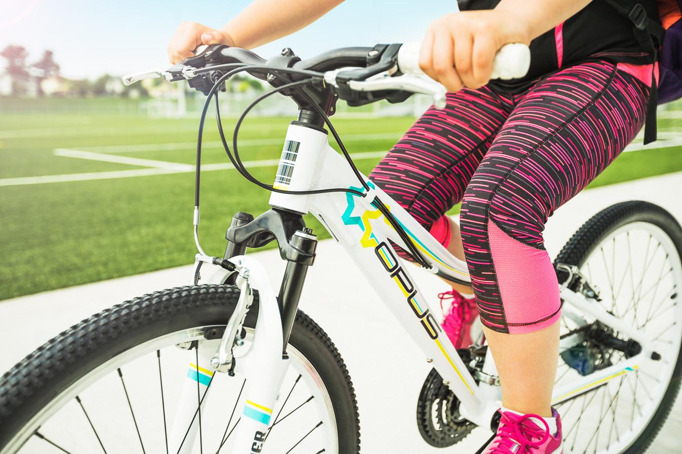 Vélos Opus Bike urbain enfant au parc