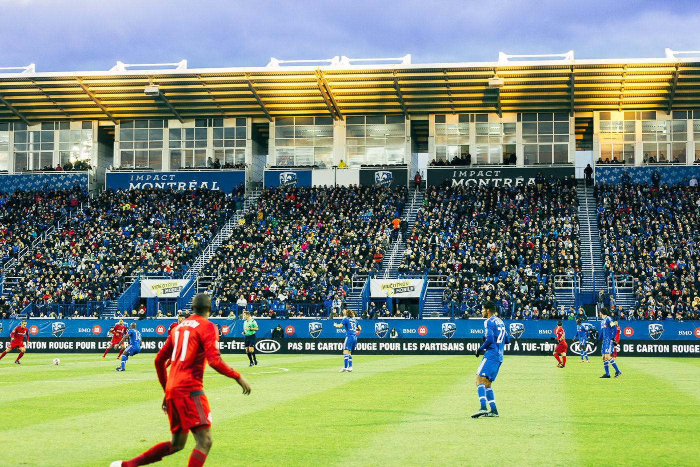 Publicité Kia avec les joueurs de l'impact de Montréal au Stade Saputo