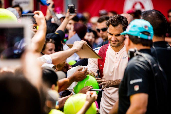 Séance De Signature De Roger Federer Lors De La Coupe Rogers 2017